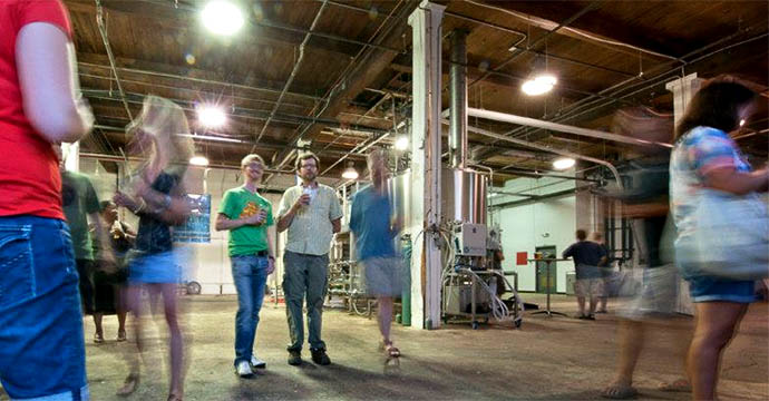 08) Tour of a Local BreweryMany local breweries offer