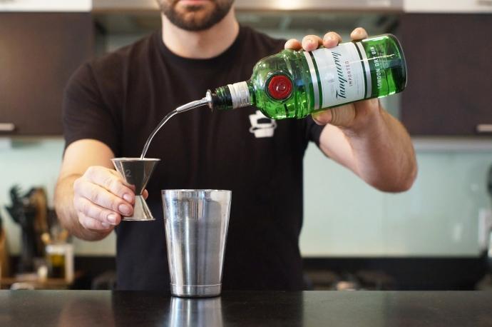 Step 5 of 9: Add 2 oz of gin