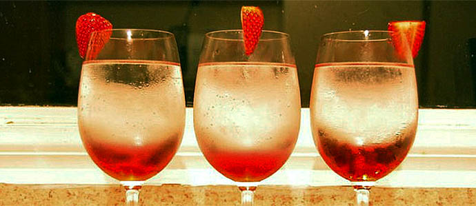 Sparkling Wine Cocktails: Four Ways to Enjoy Bubbly in the Summertime