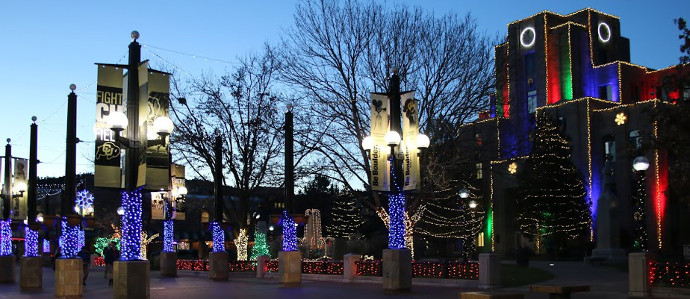 Holiday Pub Crawl: Pearl Street Mall in Boulder