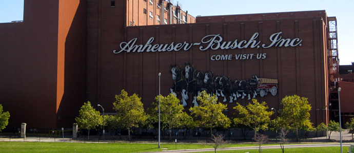 Anheuser-Busch Issues Strongly-Worded Statement to NFL, Running Back LOLs in Their Face